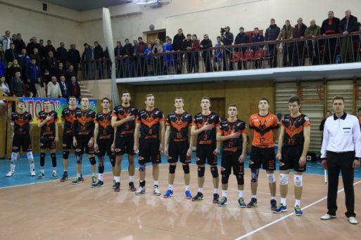 «Кажани» зіграють з «Локомотивом» у Харкові