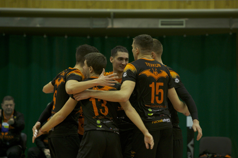 Волейбольний «МХП-Вінниця» у Львові двічі поступився «кажанам»