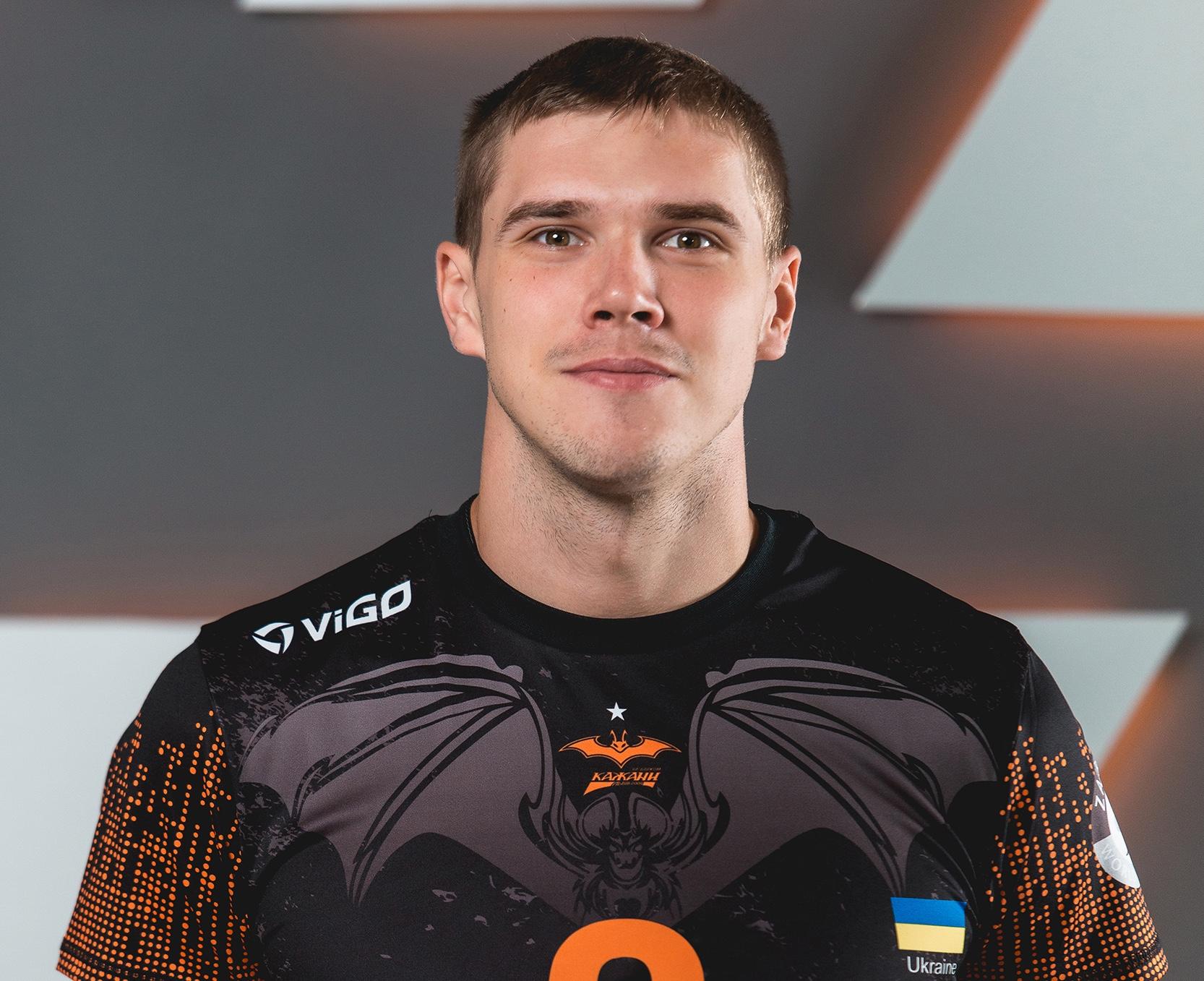 Євстратов Сергій, зв'язуючий: «Крім волейбольної кар'єри ще встиг попрацювати слідчим»